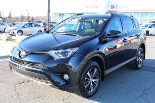 Used 2017 Toyota RAV4 XLE AWD MAGS TOIT SIEGES CHAUFFANTS CAMERA RE for sale in St-Basile-le-Grand, QC