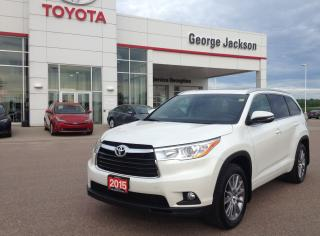 Used 2015 Toyota Highlander XLE for sale in Renfrew, ON