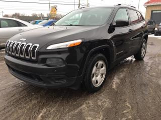Used 2016 Jeep Cherokee 4 RM, 4 portes, Sport for sale in Terrebonne, QC