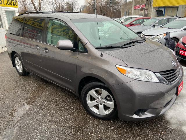 2012 Toyota Sienna LE/ REVERSE CAM/ 8 SEATER/ PWR DOORS/ ALLOYS+MORE!