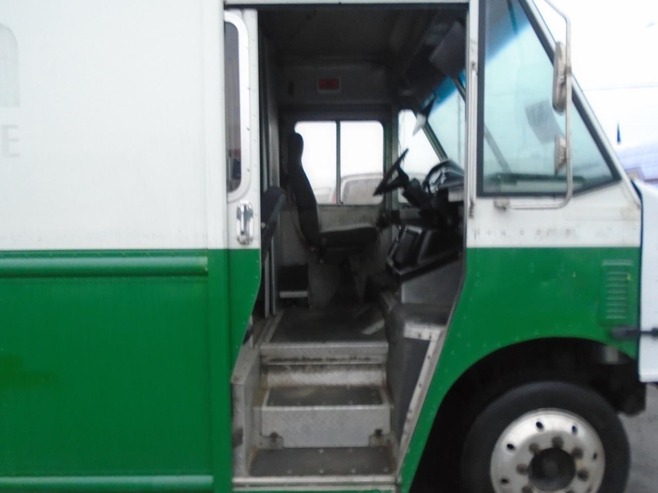2009 Freightliner MT45