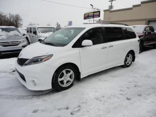 Used 2015 Toyota Sienna SE à vendre 8 Passagers Cuir Nav Cam for sale in Laval, QC