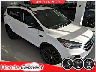 Used 2017 Ford Escape Titanium AWD for sale in St-Hyacinthe, QC