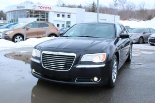 Used 2013 Chrysler 300 Berline 4 portes tourisme, traction arri for sale in Shawinigan, QC