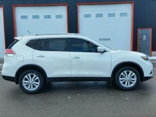 Used 2014 Nissan Rogue SV AWD for sale in Jarvis, ON