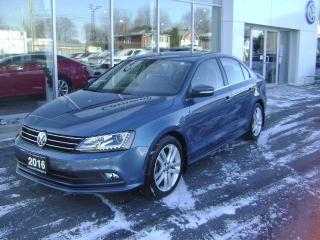 Used 2016 Volkswagen Jetta Sedan Highline for sale in Cornwall, ON