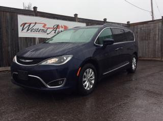 Used 2017 Chrysler Pacifica Touring-L for sale in Stittsville, ON