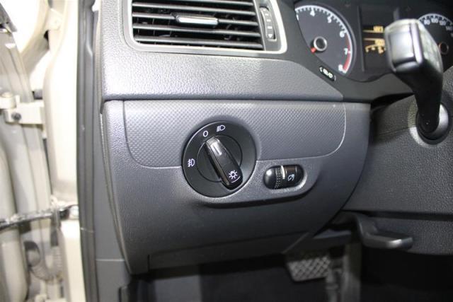 2013 Volkswagen Jetta Trendline 2.0 6sp w/Tip (Production Ended)
