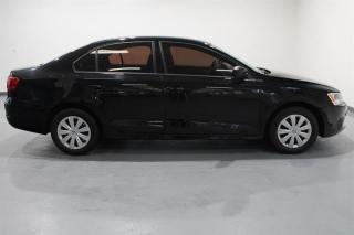 Used 2013 Volkswagen Jetta Trendline 2.0 6sp w/Tip (Production Ended) for sale in Cambridge, ON