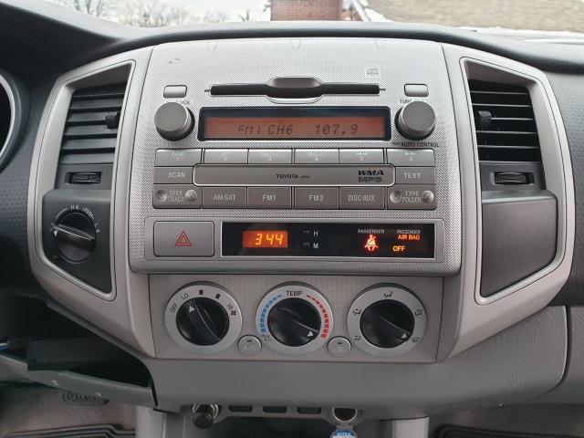 2010 Toyota Tacoma  Photo11