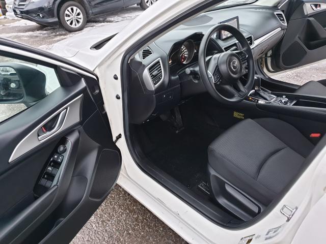 2017 Mazda MAZDA3 GX Photo9