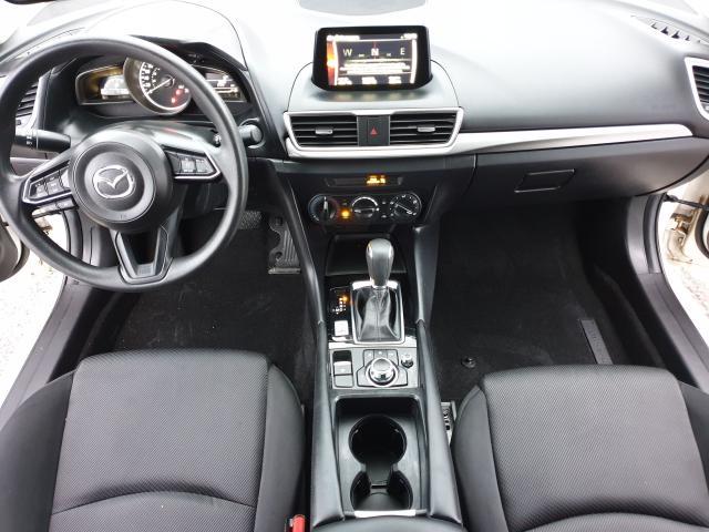 2017 Mazda MAZDA3 GX Photo10