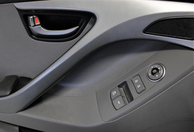 2014 Hyundai Elantra GL 6sp