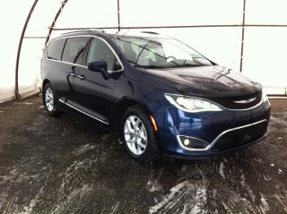Used 2017 Chrysler Pacifica Touring-L Plus FULL POWER SUNROOF, NAVIGATION, ADAPTIVE CRUISE, BLIND SPOT DETECTION for sale in Ottawa, ON