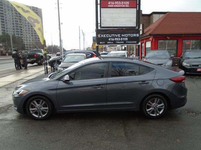 2017 Hyundai Elantra GL/ LIKE NEW / NEW BRAKES / LOADED / LOW KM /MINT
