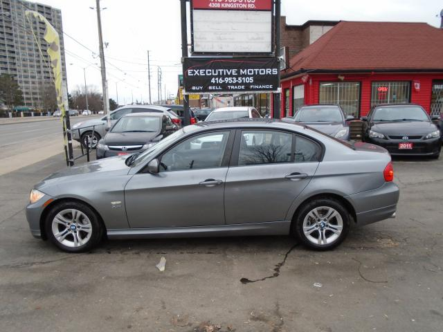 2011 BMW 3 Series 328i xDrive  / AWD / LEATHER /ALLOYS / PUSH START