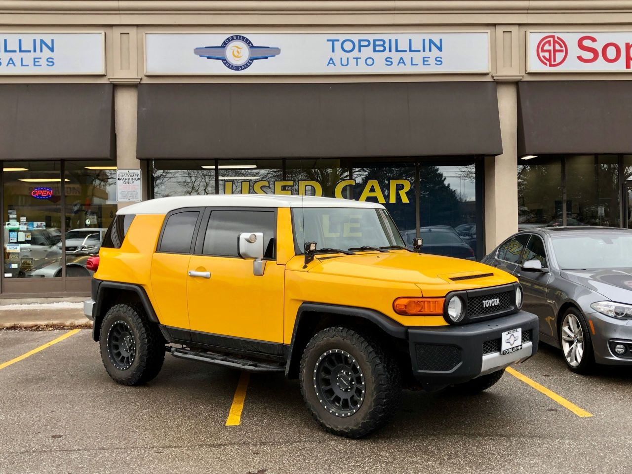 2007 Toyota FJ Cruiser 4X4, Only 146K, Extra Clean