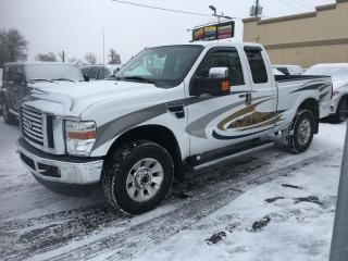 Used 2010 Ford F-250 XLT à vendre Triton 6.8L V10 SuperDuty for sale in Laval, QC