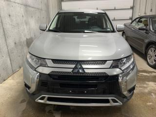 Used 2019 Mitsubishi Outlander ES AWD APPLECARPLAY CAMERA SIEGES CHAUFFANTS for sale in St-Nicolas, QC