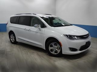 Used 2018 Chrysler Pacifica Hybrid Limited Tri-pane Panoramic Sunroof, Dual-screen BluRay Entertainment system for sale in Ottawa, ON