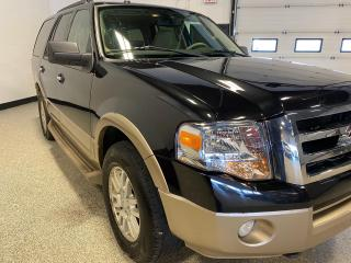 Used 2011 Ford Expedition XLT CLEAN CARFAX, GREAT CONDITION.. for sale in Calgary, AB