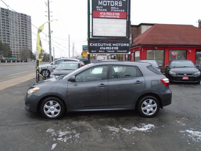 2010 Toyota Matrix XR/ ONE OWNER / NO ACCIDENT / CERTIFIED / MINT