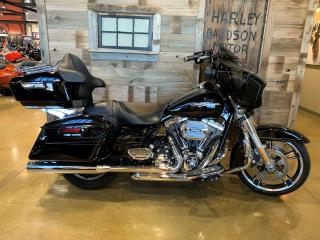 Used 2015 Harley-Davidson Street Glide FLHXS for sale in Cambridge, ON