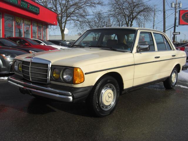 1982 Mercedes-Benz 240D Diesel