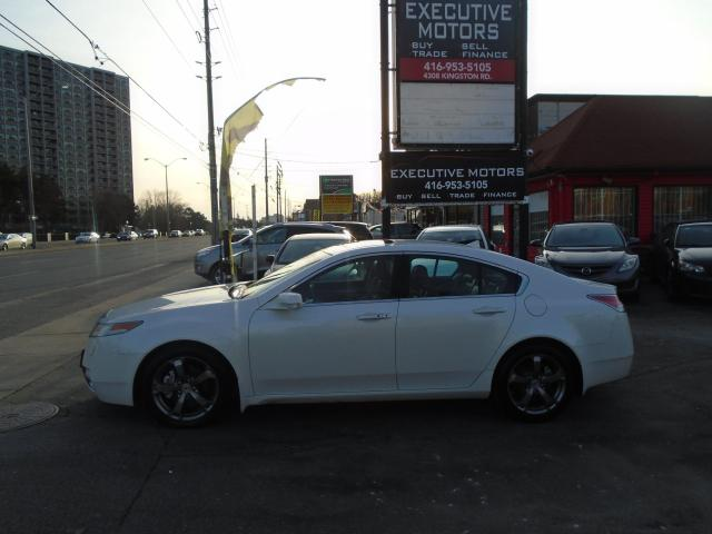 2011 Acura TL w/Tech Pkg/ LOADED/ NAV / CAM / ALLOYS / AWD