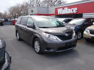 Used 2014 Toyota Sienna LE AWD 7-Passenger V6 for sale in Ottawa, ON
