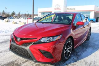 Used 2019 Toyota Camry SE AMELIORE CUIR TOIT MAGS SIEGES CHAUFFANTS for sale in St-Basile-le-Grand, QC