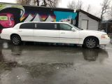 2003 Lincoln Town Car Executive w/Limo Pkg