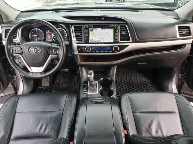 2015 Toyota Highlander XLE Photo11