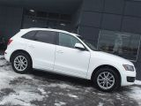 Photo of White 2011 Audi Q5