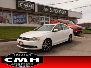 Used 2013 Volkswagen Jetta Highline  DIESEL NAV LEATH ROOF for sale in St. Catharines, ON