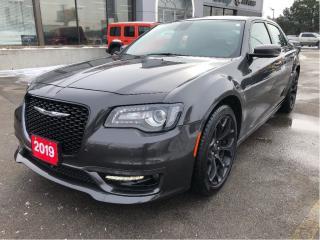 Used 2019 Chrysler 300 300s V6 w/Safety Tech 1/2, Navi, Premium Sound Gro for sale in Hamilton, ON