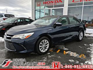 Used 2015 Toyota Camry Hybride Berline LE HYBRID for sale in Sorel-Tracy, QC