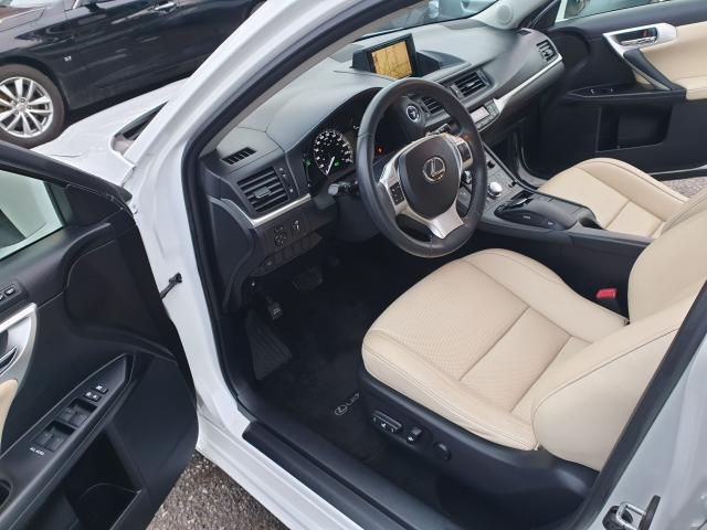 2012 Lexus CT 200h Premium FWD Photo11