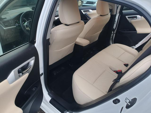 2012 Lexus CT 200h Premium FWD Photo12