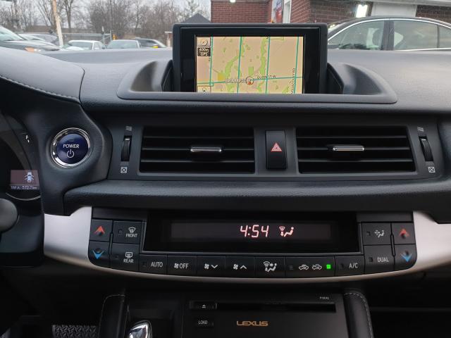 2012 Lexus CT 200h Premium FWD Photo15