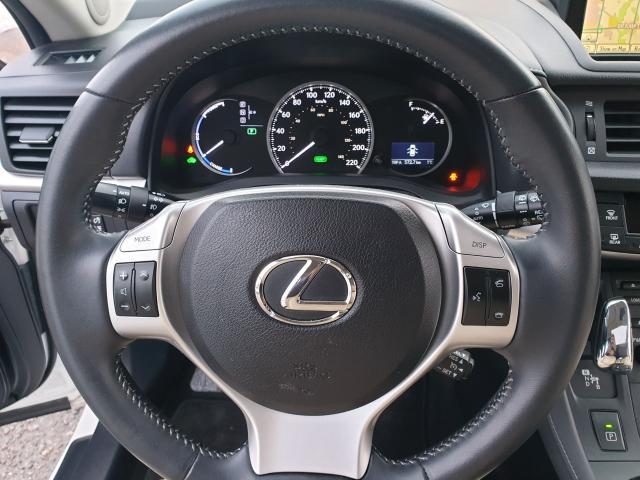 2012 Lexus CT 200h Premium FWD Photo16