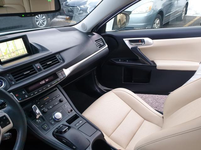 2012 Lexus CT 200h Premium FWD Photo23