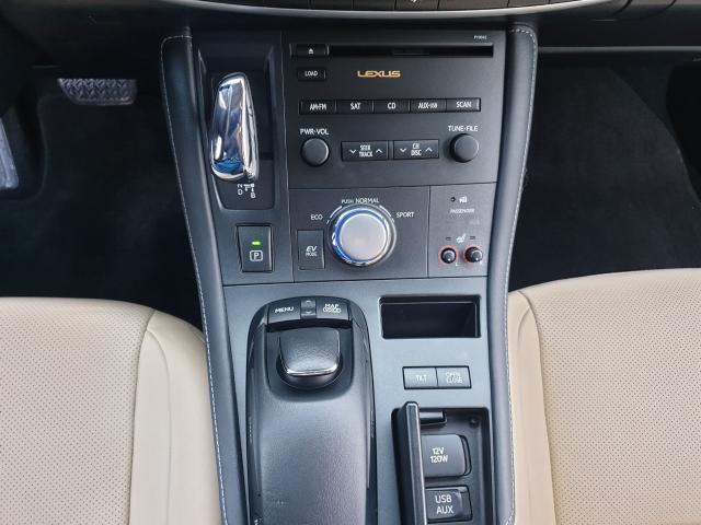 2012 Lexus CT 200h Premium FWD Photo28