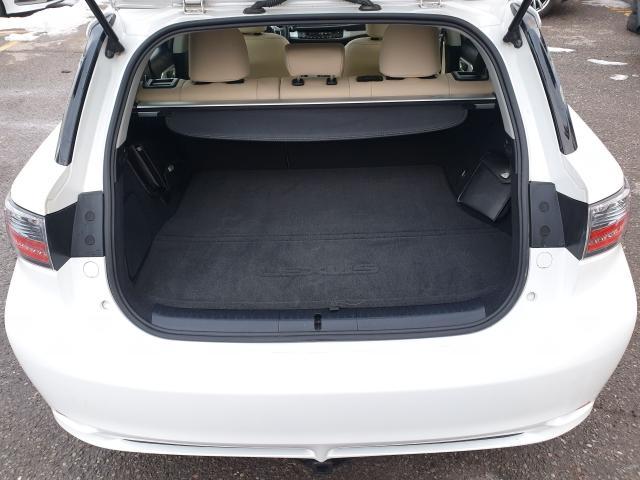 2012 Lexus CT 200h Premium FWD Photo30