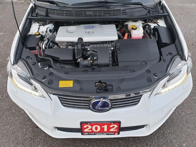 2012 Lexus CT 200h Premium FWD Photo31