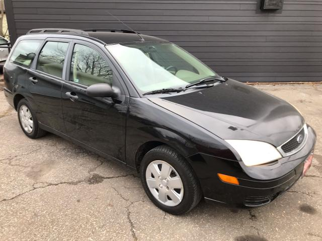 2007 Ford Focus SE ** HTD SEATS, A/C **
