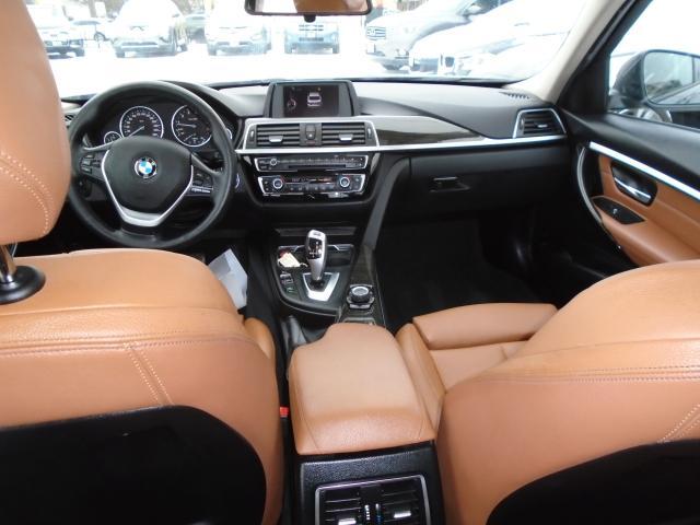 2016 BMW 3 Series AUTO 320i xDrive AWD SUNROOF NO ACCIDENT 4 NEW BRA