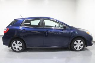 Used 2014 Toyota Matrix 5M (2) for sale in Mississauga, ON