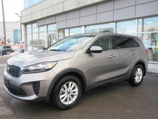 Used 2019 Kia Sorento 2.4L LX FWD/Heated seats and steering wheel/Camera/ Android Auto Apple CarPlay for sale in Mississauga, ON