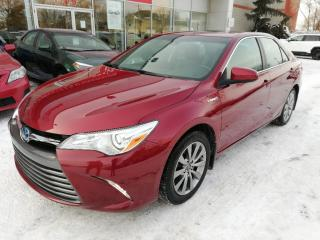 Used 2016 Toyota Camry HYBRIDE XLE ** CUIR NAVIGATION CAMÉRA RECUL ** for sale in Longueuil, QC